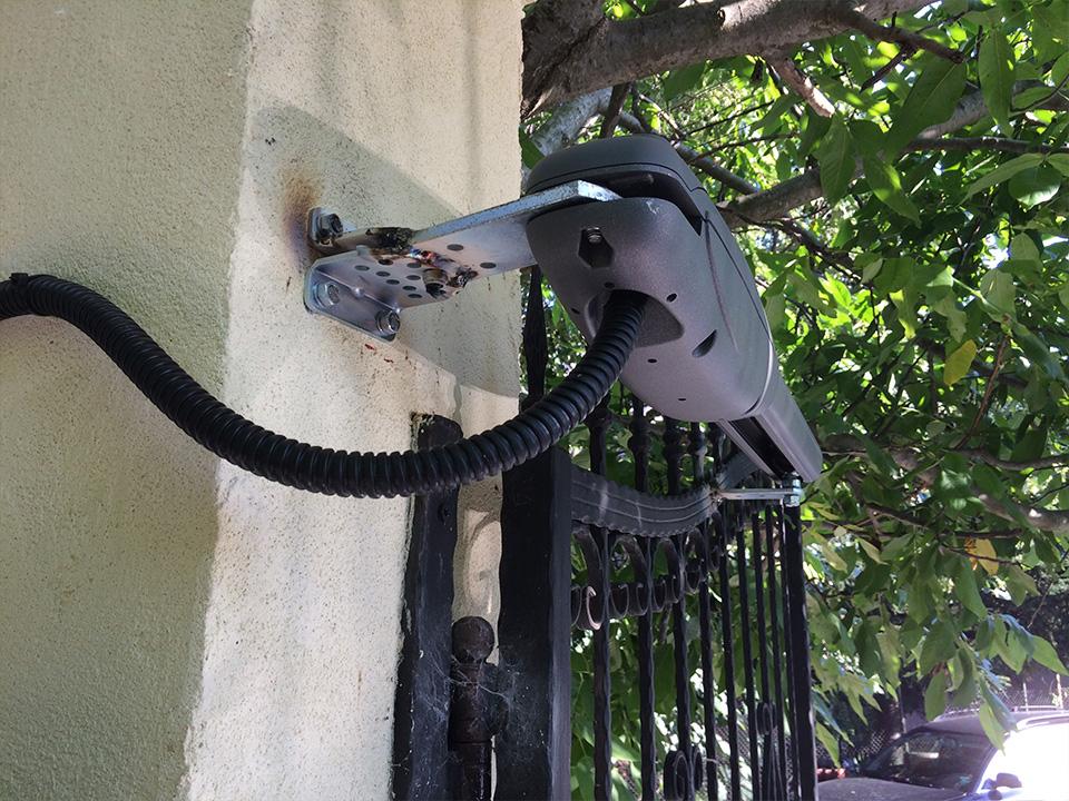 Автоматични двукрили врати